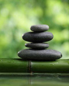 1-zen-stones-water